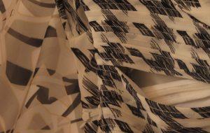 zip de robe noire et blanche